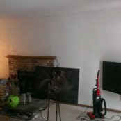 note the white walls. BORING...